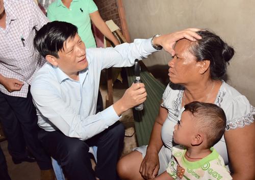 Hàng nghìn người mù vĩnh viễn do dùng tay bẩn dụi mắt - 2