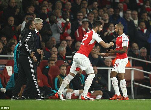 Arsenal hạ Bayern: Cái tay Giroud, cái đầu Wenger - 2