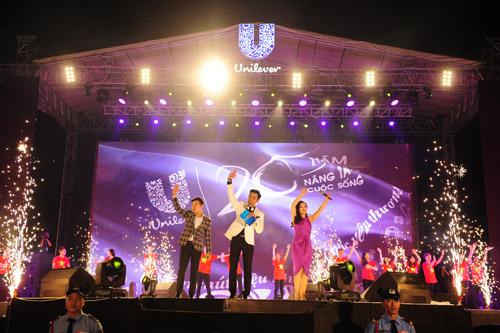 Thanh Lam cực máu lửa trong đêm nhạc kỷ lục tại Hà Nội - 8