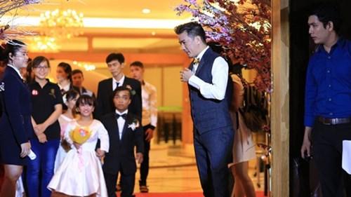 Xúc động lễ cưới tập thể của 40 cặp đôi khuyết tật - 4
