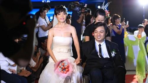 Xúc động lễ cưới tập thể của 40 cặp đôi khuyết tật - 8
