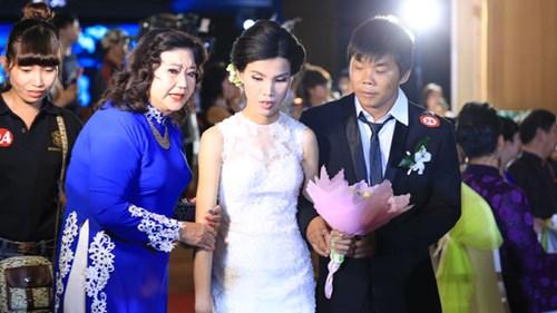 Xúc động lễ cưới tập thể của 40 cặp đôi khuyết tật - 9