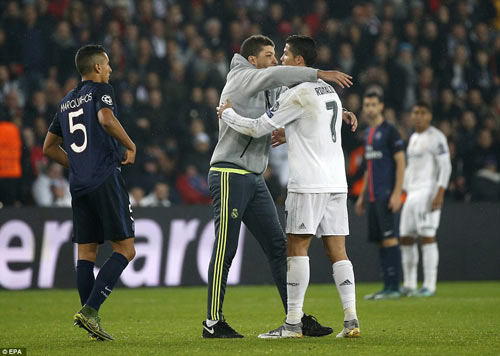 """Chia điểm, cả Blanc và Benitez cùng """"mãn nguyện"""" - 2"""