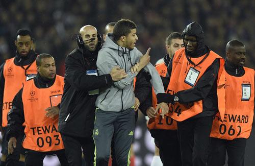 """Chia điểm, cả Blanc và Benitez cùng """"mãn nguyện"""" - 4"""