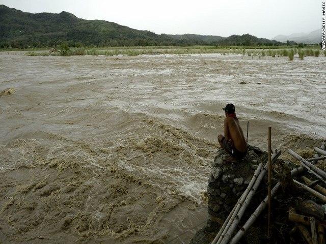 Thảm cảnh sau siêu bão làm 54 người chết ở Philippines - 11