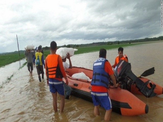 Thảm cảnh sau siêu bão làm 54 người chết ở Philippines - 4
