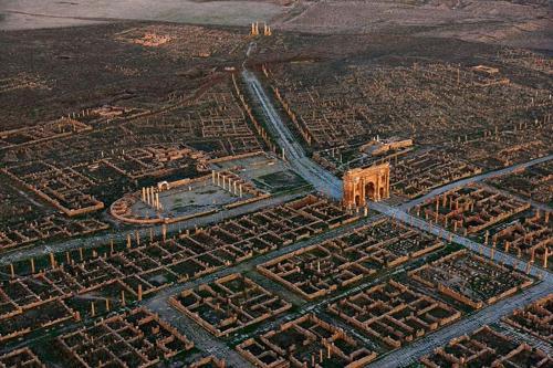 """Timgad: """"Báu vật kiến trúc"""" La Mã suýt bị lãng quên - 1"""
