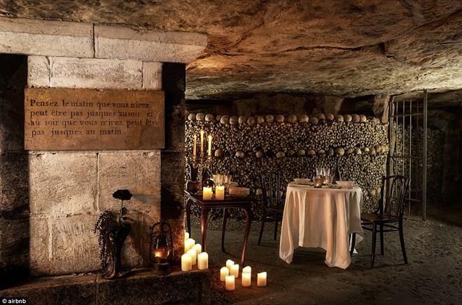 Rợn người ngủ đêm trong hầm mộ cùng 6 triệu hài cốt - 5