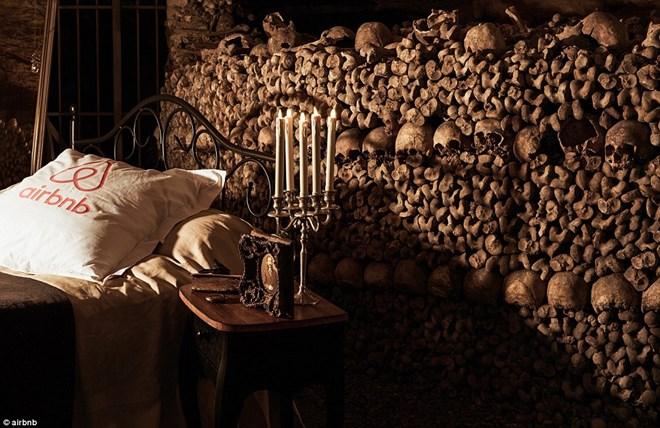 Rợn người ngủ đêm trong hầm mộ cùng 6 triệu hài cốt - 4
