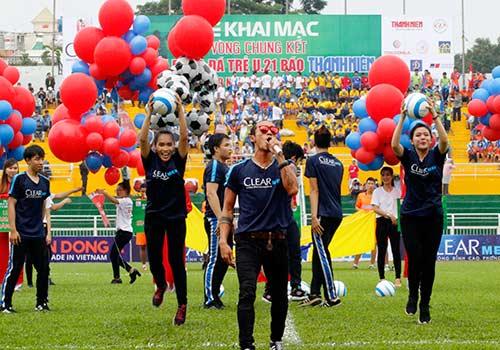 Hình ảnh ấn tượng ngày khai mạc giải U21 Clear Men Cup - 1