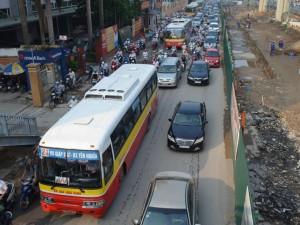 Tin tức trong ngày - HN: Hạn chế xe buýt trong giờ cao điểm để giảm ùn tắc