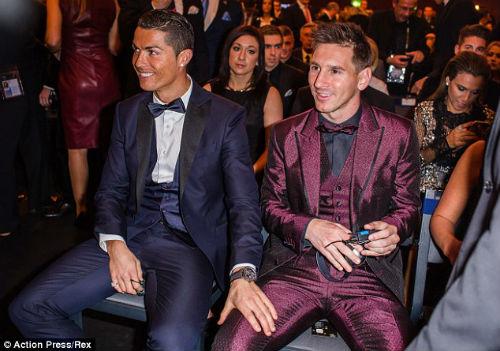 Messi thua CR7 giá trị thương hiệu, nhưng sẽ thắng QBV - 1