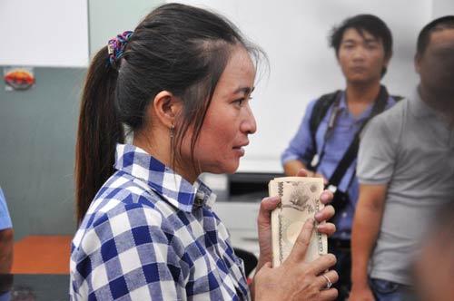 "TP.HCM: Nữ ""triệu phú"" ve chai nhận hơn 1 triệu yen - 4"
