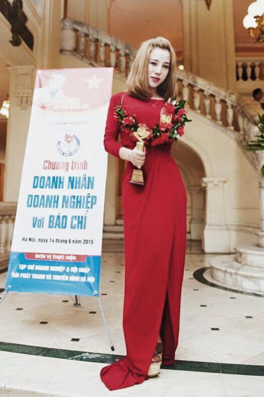 """Cô gái Hà thành được mệnh danh """"hot girl siêu vòng 3"""" - 5"""