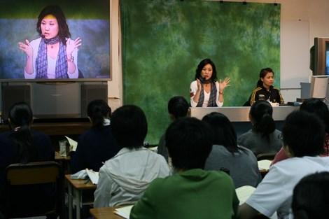 Cuộc chiến giành giáo viên lương 11 triệu USD ở Hong Kong - 1
