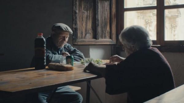 Vợ chồng già Tây Ban Nha sống đơn độc trong ngôi làng bỏ hoang 45 năm - 1