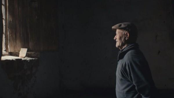 Vợ chồng già Tây Ban Nha sống đơn độc trong ngôi làng bỏ hoang 45 năm - 2