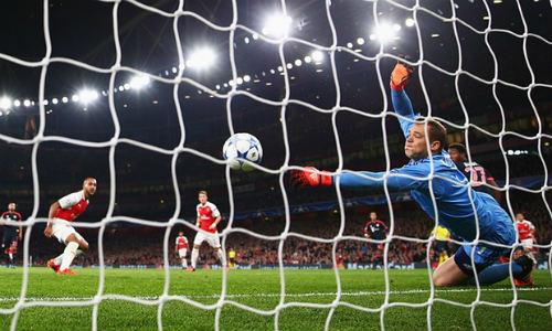 """Arsenal: Coi chừng sau """"bay cao"""" là ngã đau - 1"""