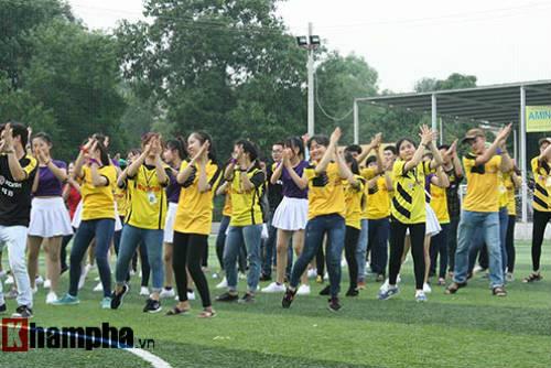 Fan nữ Việt xinh tươi bên huyền thoại của Dortmund - 10