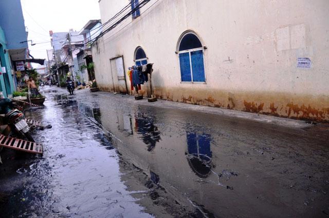 Ảnh: Sau mưa, Sài Gòn như miền Tây mùa nước nổi - 12