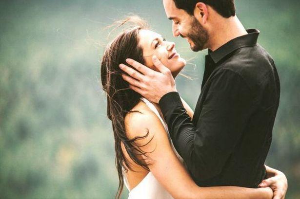 6 hành động khiến tình yêu của bạn thêm gắn bó - 1