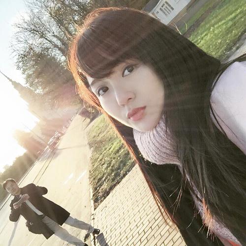 Hình ảnh mới nhất của hot girl Tú Linh sau scandal - 2