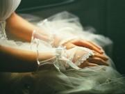 Bạn trẻ - Cuộc sống - Chiếc váy cưới bị xé rách và hôn lễ đẫm nước mắt