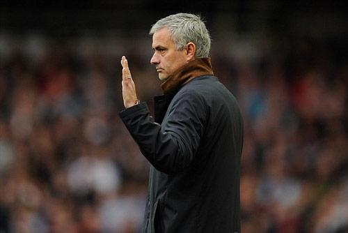 Lộ lý do Mourinho bị đuổi, Chelsea sẽ bị phạt nặng - 1