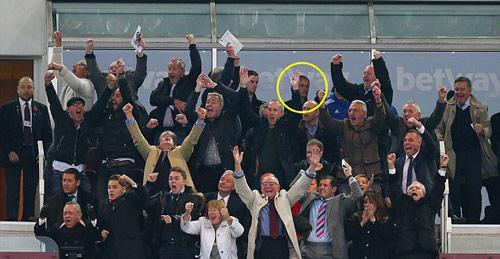 Lộ lý do Mourinho bị đuổi, Chelsea sẽ bị phạt nặng - 2