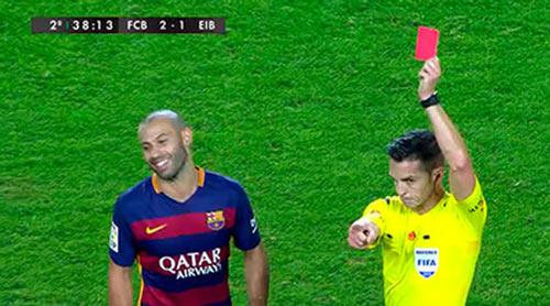 Chửi tục trọng tài, Mascherano có thể lỡ El Clasico - 1
