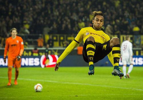 "Sau Lewandowski, ""Siêu nhân"" mới xuất hiện ở Bundesliga - 1"