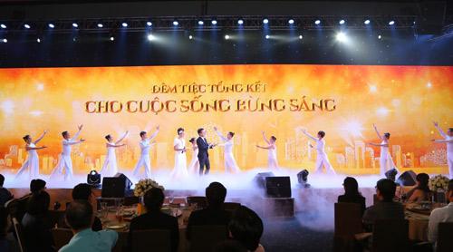 Đàm Vĩnh Hưng, Lam Trường mang hit cũ lên sân khấu - 10