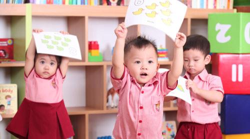 Kích hoạt tiềm năng trí tuệ trẻ với Phương án 0 tuổi - 1