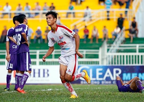 """Giải U21 Clear Men Cup: Chủ nhà TP.HCM """"bay"""" vào bán kết - 9"""