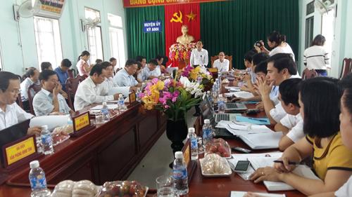 """Vụ 214 giáo viên mất việc ở Hà Tĩnh: """"Đúng luật"""" - 1"""