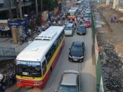 Tin tức trong ngày - Bao giờ HN bắt đầu hạn chế xe buýt để giảm ùn tắc?
