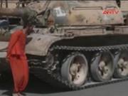 Video An ninh - IS hành quyết con tin bằng xe tăng