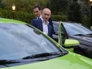 """Tổng thống Nga lái """"xe giá rẻ"""" tới hội nghị quốc tế"""