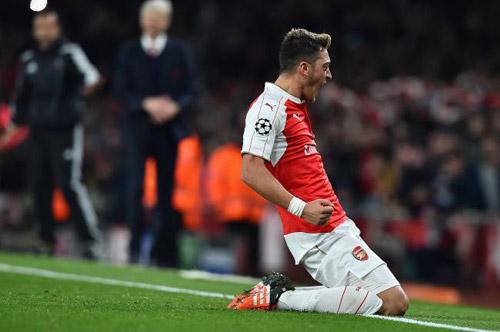 """Đã thấy """"Ozil phiên bản Real Madrid"""" ở Arsenal - 1"""