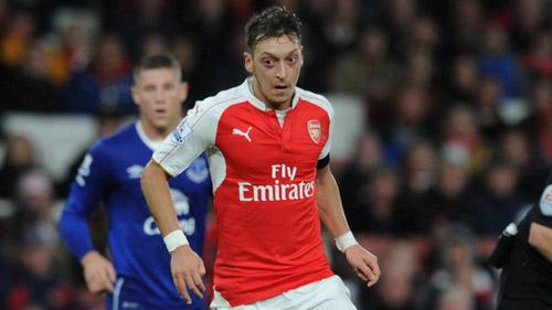 """Đã thấy """"Ozil phiên bản Real Madrid"""" ở Arsenal - 2"""