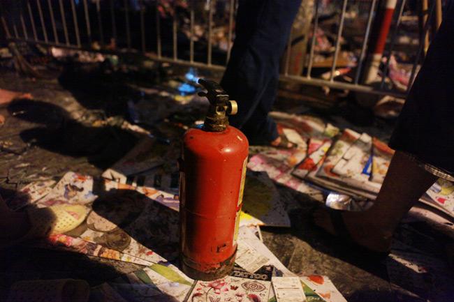 Hiện trường vụ cháy nhà 4 tầng trên phố cổ Hàng Mã - 8