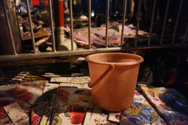 Hiện trường vụ cháy nhà 4 tầng trên phố cổ Hàng Mã - 9