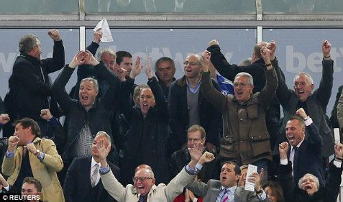 """Chelsea xa top 4: """"Người đặc biệt"""" thành """"kẻ tầm thường"""" - 2"""