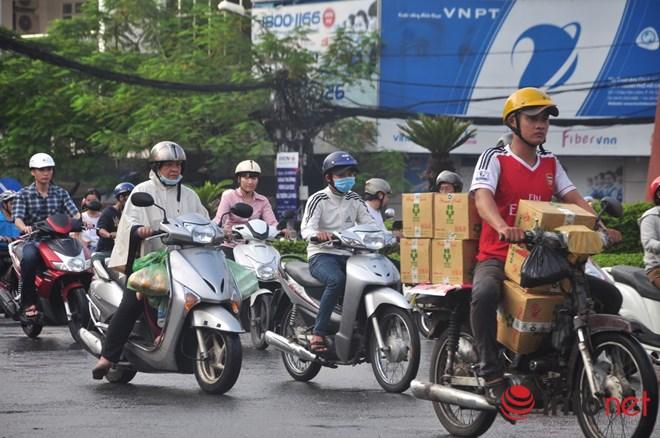 Xe mù vẫn tung hoành khắp đường phố Sài Gòn - 10