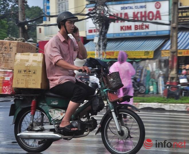 Xe mù vẫn tung hoành khắp đường phố Sài Gòn - 7