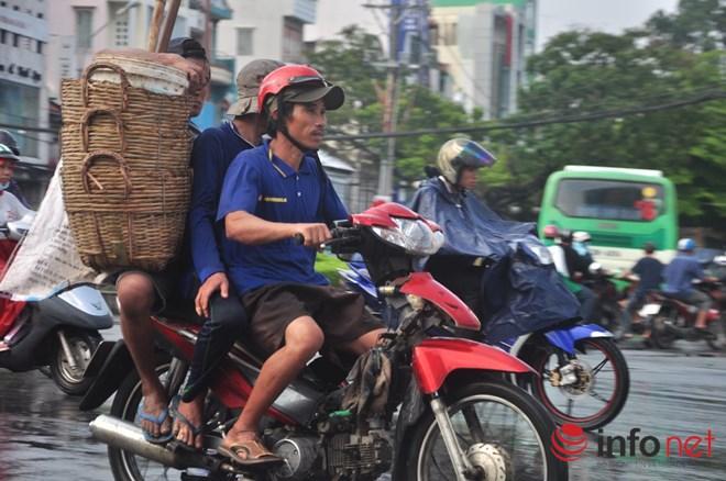Xe mù vẫn tung hoành khắp đường phố Sài Gòn - 8
