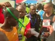 """Thể thao - """"Mưu hèn kế bẩn"""" của VĐV ở cuộc thi marathon"""