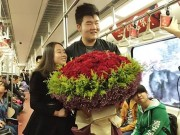Bạn trẻ - Cuộc sống - Chàng trai trang trí cả toa tàu điện ngầm để cầu hôn