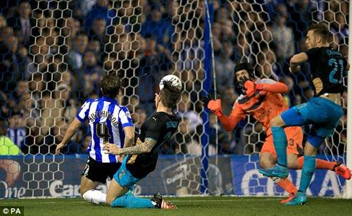 Sheffield Wednesday - Arsenal: 3 cú đấm choáng váng - 1