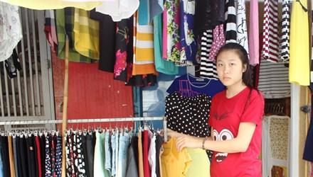 Nữ sinh nhập học chỉ với 200 nghìn đồng - 1
